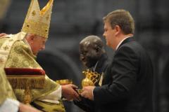 2. Papa Benedicto XVII y Ricardo 7